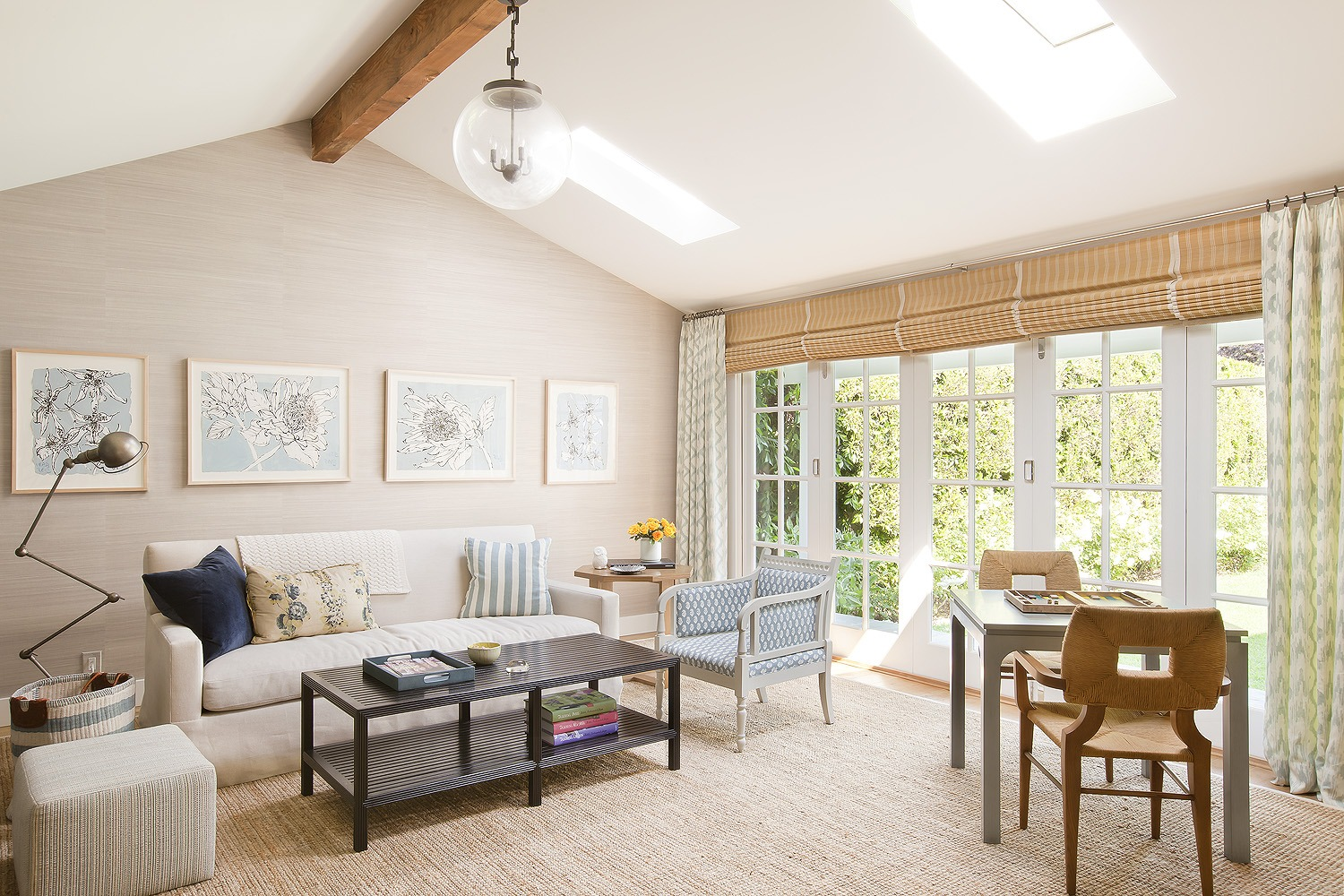 10 easy ways to decorate blank walls christine markatos - How to decorate a blank wall ...