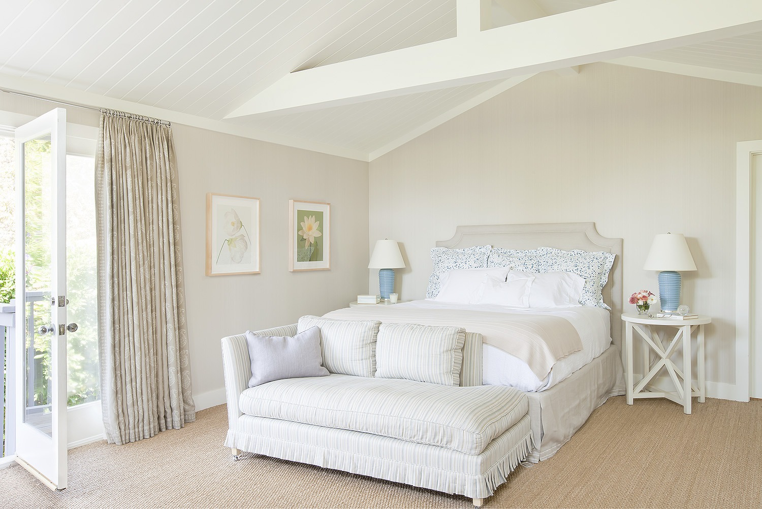 How to Arrange Your Bedroom Furniture for Every Room Size ...